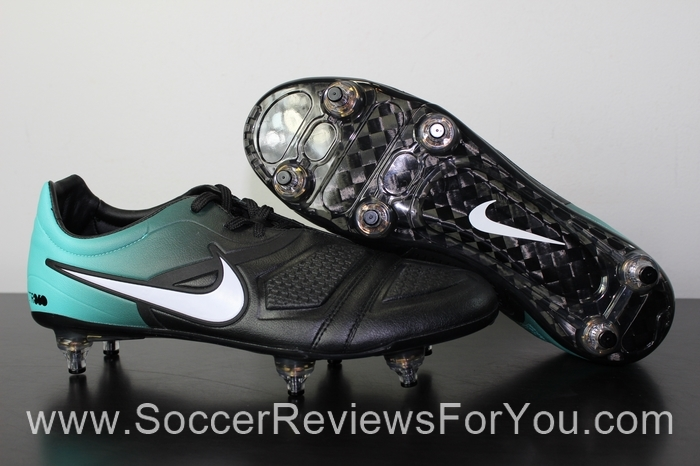 Nike CTR360 Maestri Elite Video Review - Soccer Reviews For You