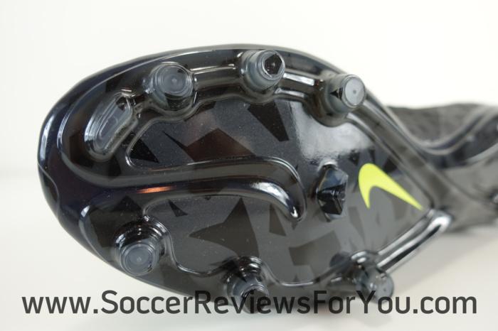 Nike Hypervenom Phantom 2 Pitch Dark Pack (16)