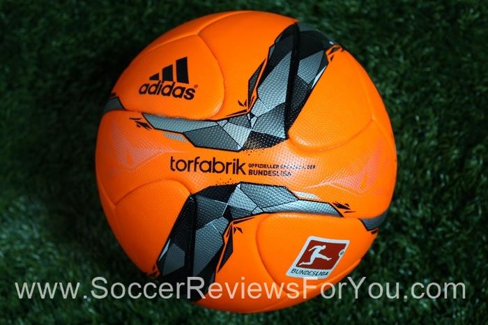 2015-16 Budesliga Torfabrik Winter Official Match  Soccer Ball (1)