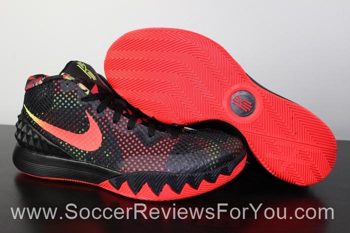 Nike Kyrie 1 Basketball Shoes