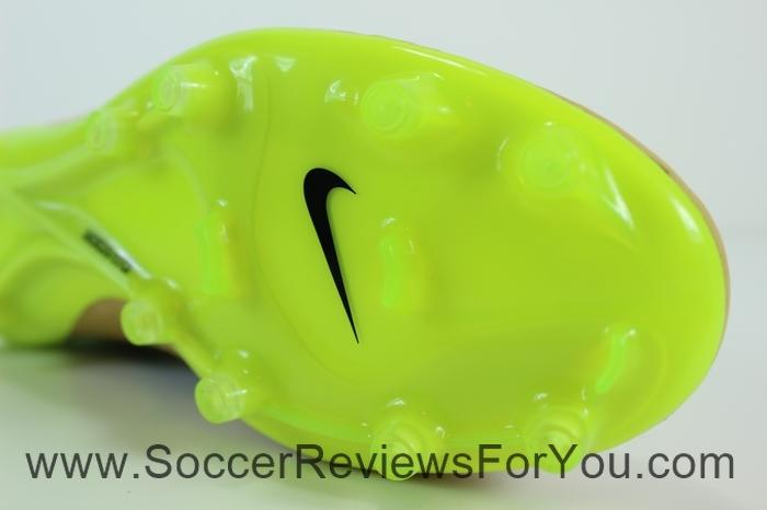 Nike Magista Obra Leather Cavas & Volt (18)
