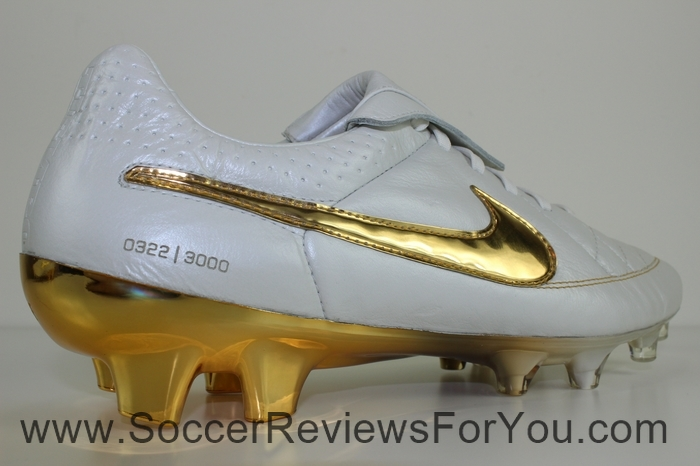 Nike Tiempo Legend 5 Ronaldinho R10 Touch of Gold (10)