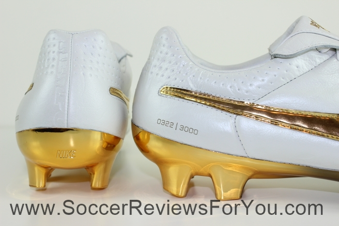 Nike Tiempo Legend 5 Ronaldinho R10 Touch of Gold (11)