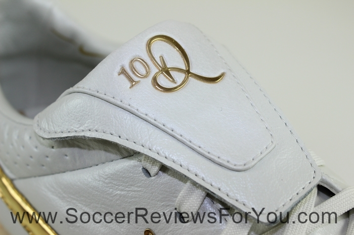Nike Tiempo Legend 5 Ronaldinho R10 Touch of Gold (12)
