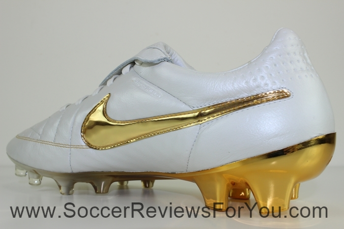 Nike Tiempo Legend 5 Ronaldinho R10 Touch of Gold (9)