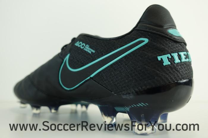 Nike Tiempo Legend 6 Pitch Dark Pack (12)