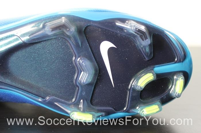 Nike Women's Mercurial Vapor 10 World Cup (17)