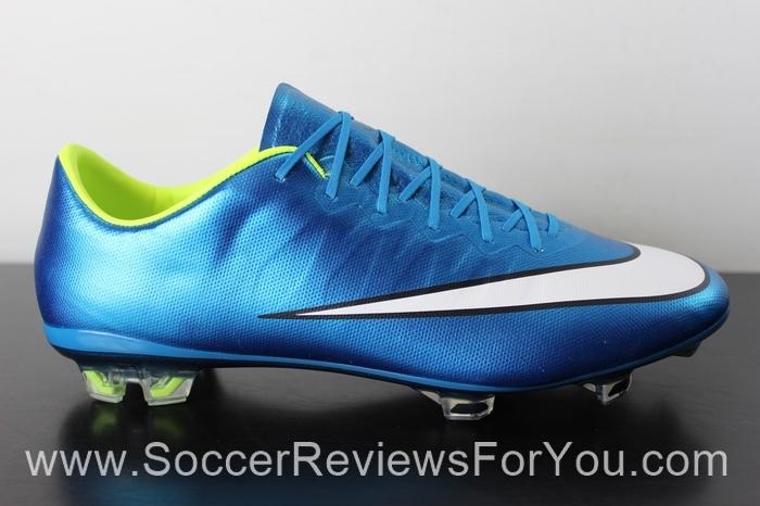 Nike Women s Mercurial Vapor 10 Review - Soccer Reviews For You 9cb23a92c6